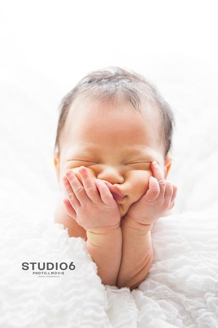 赤ちゃんの一瞬の姿