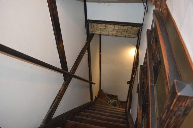 古民家カフェのケープルヴィル写真館の階段