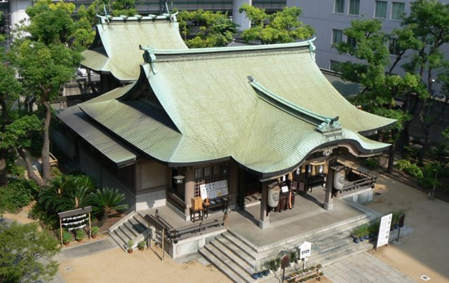 大阪安産祈願で有名な坐摩神社