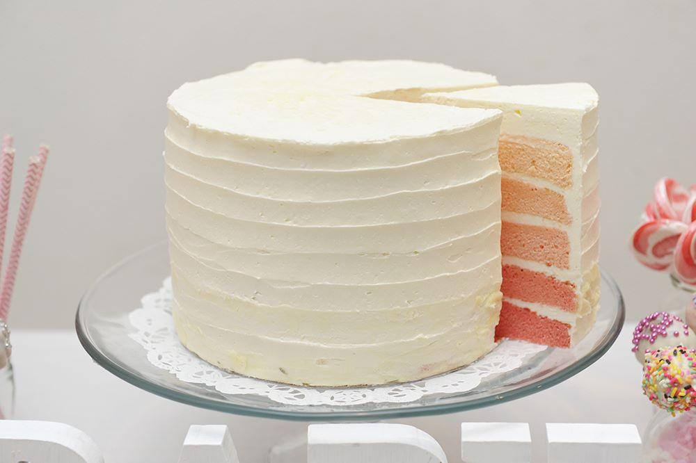 ベビーシャワーのケーキ